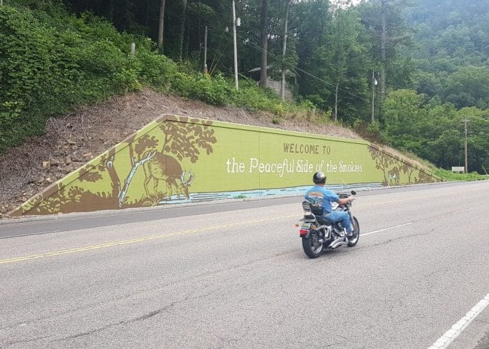 welcome-to-townsend,-tennessee, the-peaceful-side-of-the-smokies